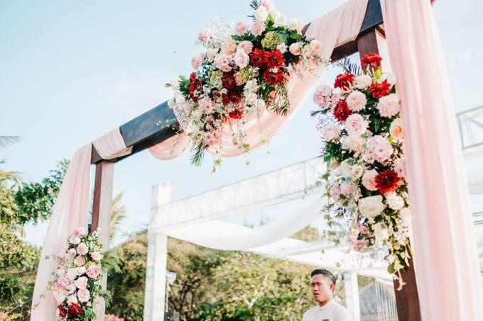 Elegant Wedding by Bali Izatta Wedding Planner & Wedding Florist Decorator - 005
