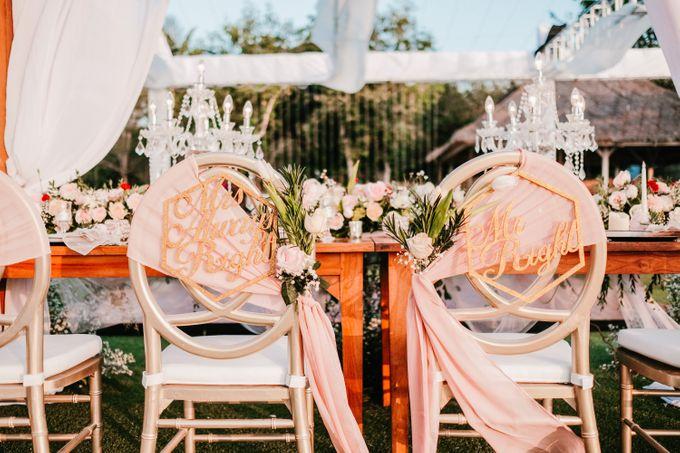 Elegant Wedding by Bali Izatta Wedding Planner & Wedding Florist Decorator - 007