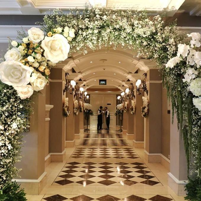 Acara Pernikahan Tiara & Irwindya  by D'soewarna Wedding Planning - 001
