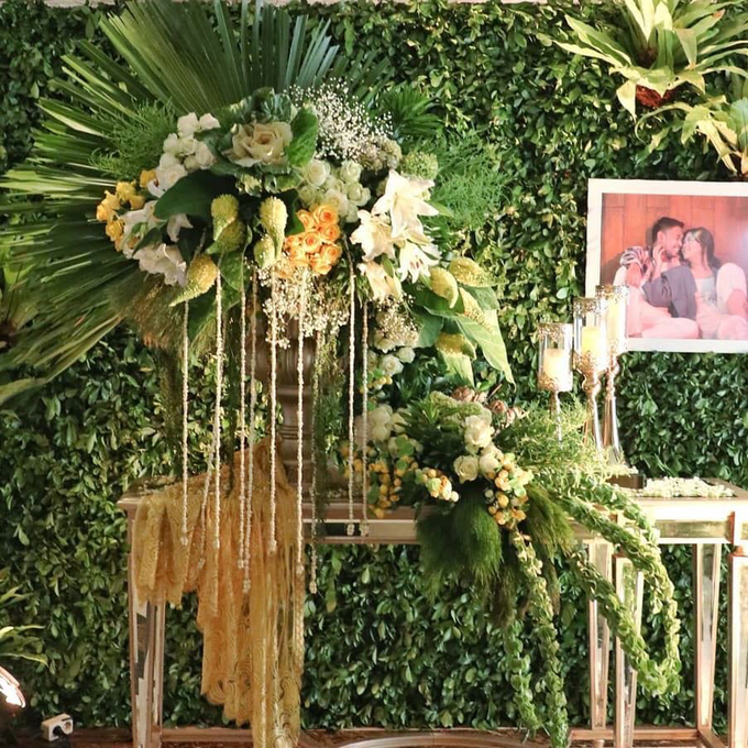 Acara Pernikahan Tiara & Irwindya  by D'soewarna Wedding Planning - 002