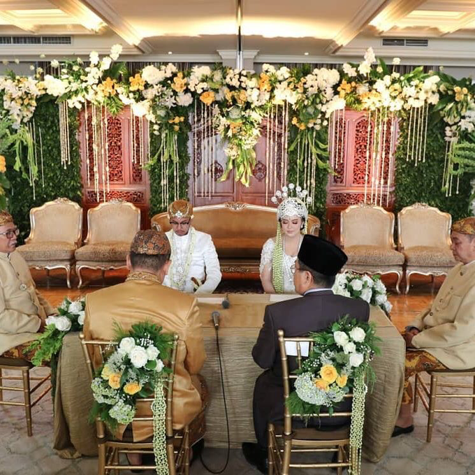 Acara Pernikahan Tiara & Irwindya  by D'soewarna Wedding Planning - 003