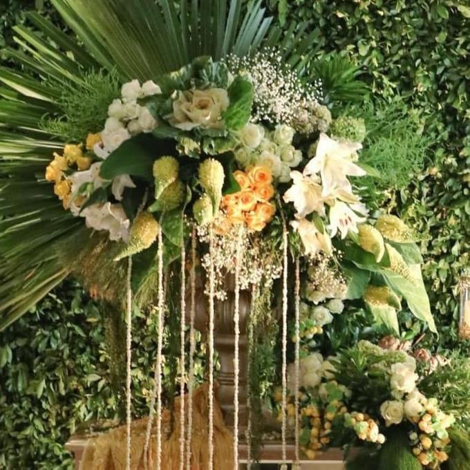 Acara Pernikahan Tiara & Irwindya  by D'soewarna Wedding Planning - 006