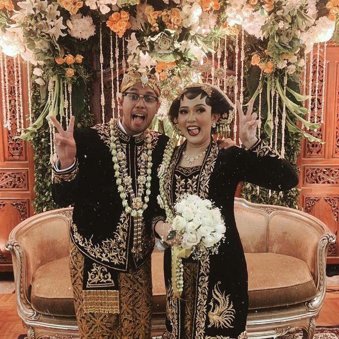 Acara Pernikahan Tiara & Irwindya  by D'soewarna Wedding Planning - 007
