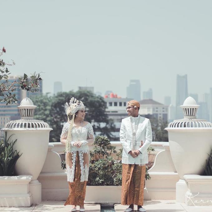 Acara Pernikahan Tiara & Irwindya  by D'soewarna Wedding Planning - 019