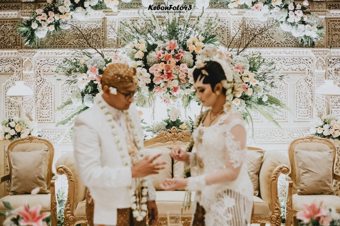 Acara Akad Nikah Eristia Putri & Dendy Iswara by D'soewarna Wedding Planning - 002
