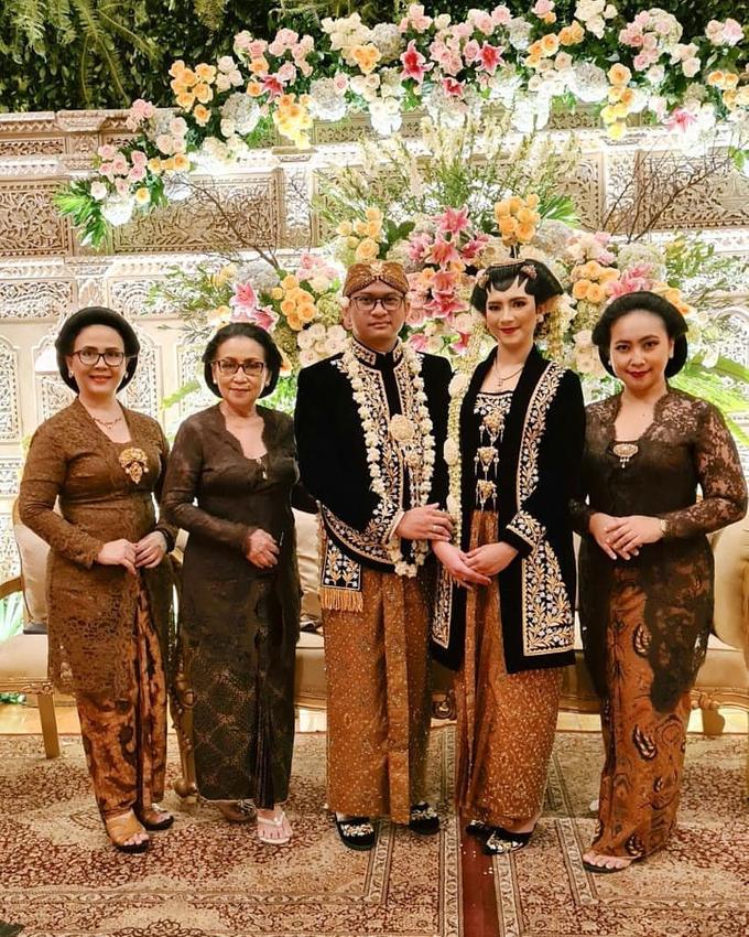 Acara Akad Nikah Eristia Putri & Dendy Iswara by D'soewarna Wedding Planning - 004