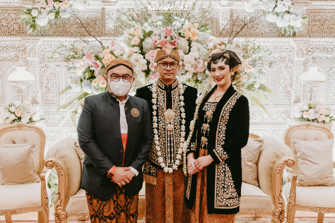 Acara Akad Nikah Eristia Putri & Dendy Iswara by D'soewarna Wedding Planning - 005