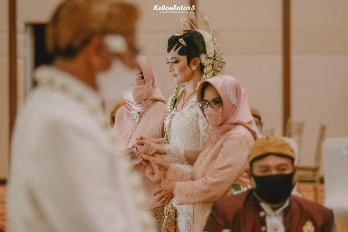Acara Akad Nikah Eristia Putri & Dendy Iswara by D'soewarna Wedding Planning - 006