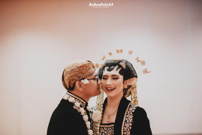 Acara Akad Nikah Eristia Putri & Dendy Iswara by D'soewarna Wedding Planning - 007