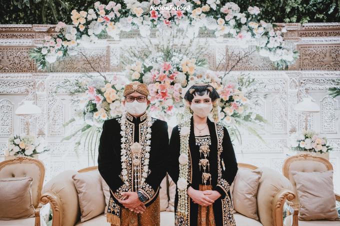 Acara Akad Nikah Eristia Putri & Dendy Iswara by D'soewarna Wedding Planning - 009