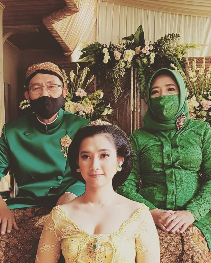 Acara Akad Nikah Eristia Putri & Dendy Iswara by D'soewarna Wedding Planning - 016