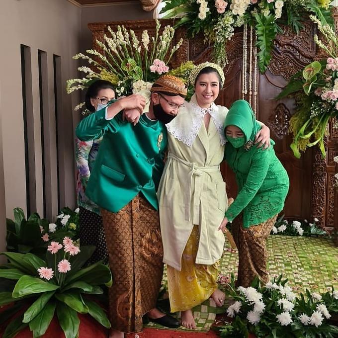 Acara Akad Nikah Eristia Putri & Dendy Iswara by D'soewarna Wedding Planning - 020