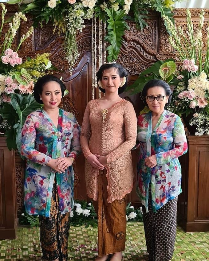 Acara Akad Nikah Eristia Putri & Dendy Iswara by D'soewarna Wedding Planning - 026