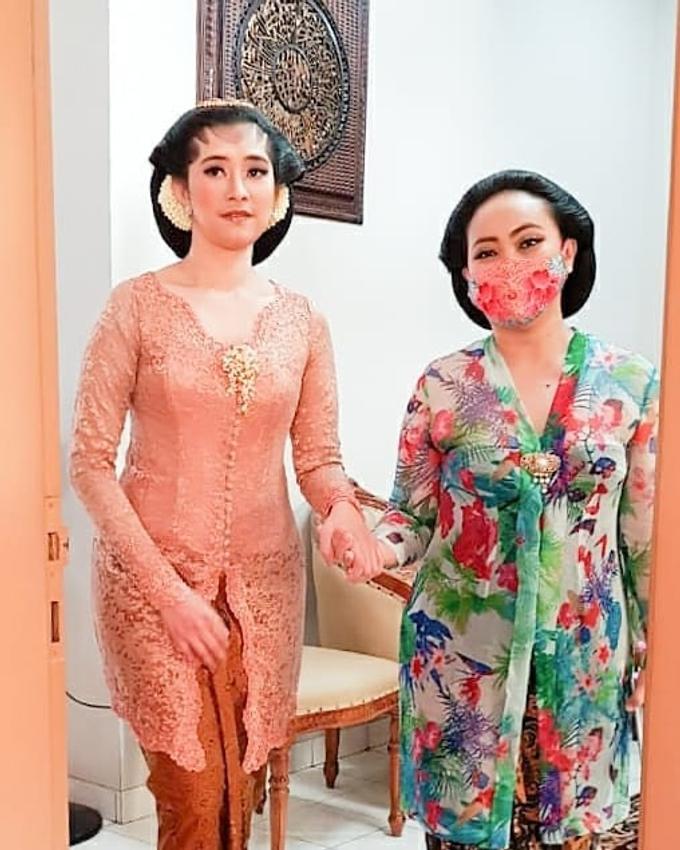 Acara Akad Nikah Eristia Putri & Dendy Iswara by D'soewarna Wedding Planning - 037