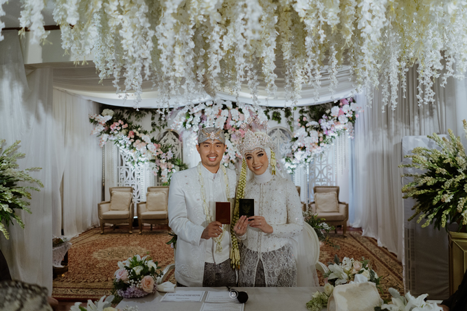 Acara Pernikahan Siti Ardiya Sakinah Salim & Sugiherlambang by D'soewarna Wedding Planning - 008