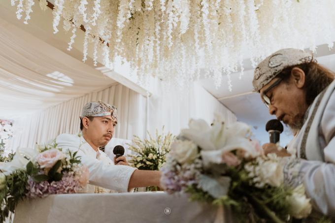 Acara Pernikahan Siti Ardiya Sakinah Salim & Sugiherlambang by D'soewarna Wedding Planning - 011
