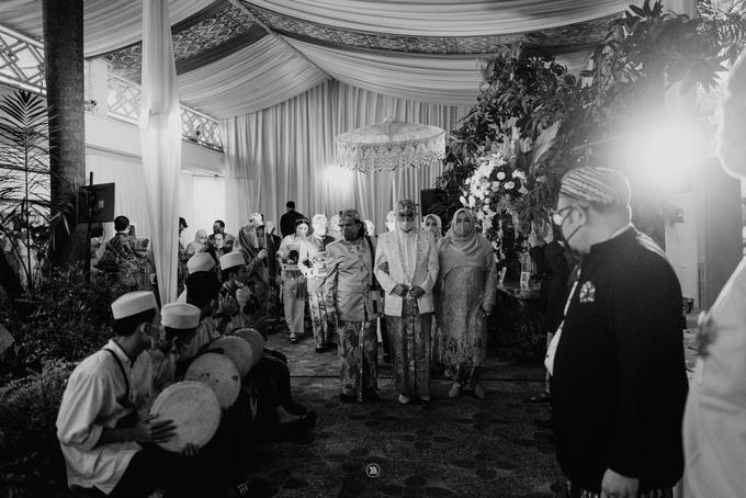 Acara Pernikahan Siti Ardiya Sakinah Salim & Sugiherlambang by D'soewarna Wedding Planning - 014