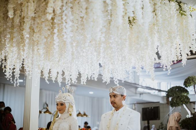 Acara Pernikahan Siti Ardiya Sakinah Salim & Sugiherlambang by D'soewarna Wedding Planning - 015