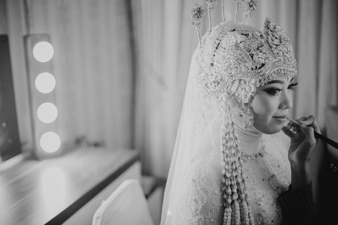 Acara Pernikahan Siti Ardiya Sakinah Salim & Sugiherlambang by D'soewarna Wedding Planning - 020