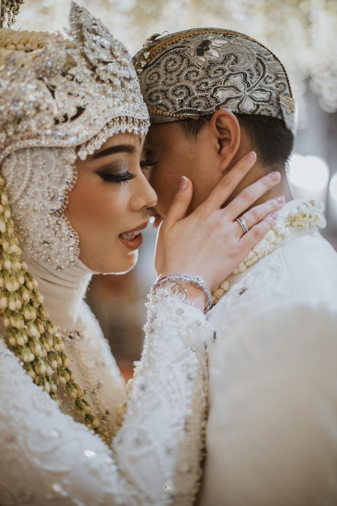 Acara Pernikahan Siti Ardiya Sakinah Salim & Sugiherlambang by D'soewarna Wedding Planning - 028
