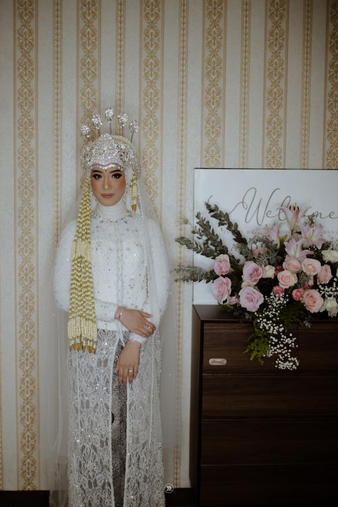 Acara Pernikahan Siti Ardiya Sakinah Salim & Sugiherlambang by D'soewarna Wedding Planning - 029
