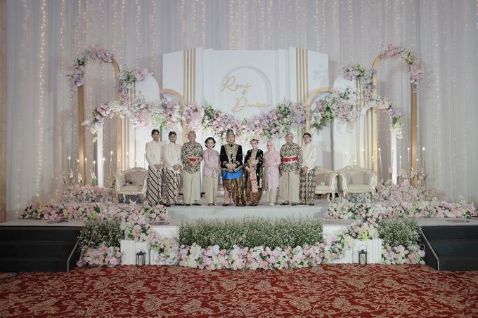 Intimate Wedding Acara Pernikahan Roni Denisa  by Ambar Paes Traditional Wedding Make Up - 005