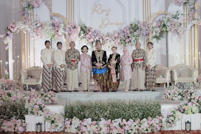 Intimate Wedding Acara Pernikahan Roni Denisa  by Ambar Paes Traditional Wedding Make Up - 014