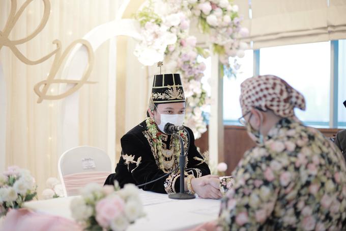 Intimate Wedding Acara Pernikahan Roni Denisa  by Ambar Paes Traditional Wedding Make Up - 026