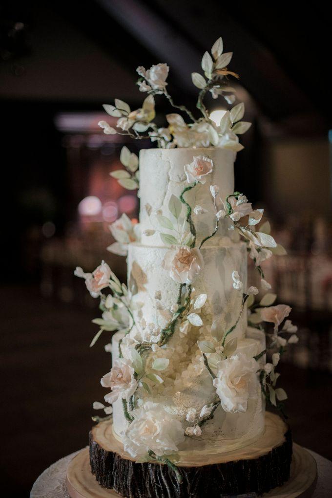 Elegant Rustic by LeNovelle Cake - 001