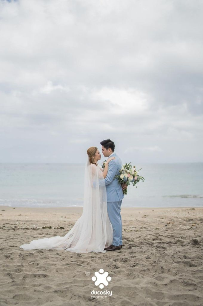 Harfy and Chindy  wedding  Stardust on the beach by Florencia Augustine - 005