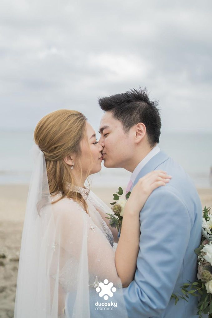 Harfy and Chindy  wedding  Stardust on the beach by Florencia Augustine - 003
