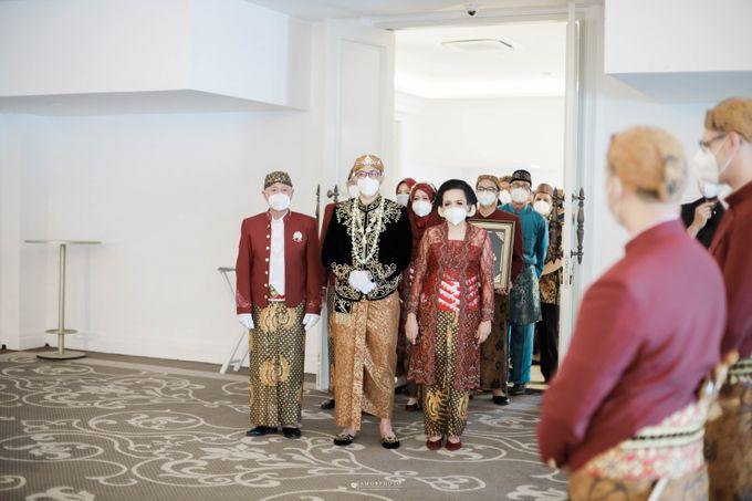 The Wedding of Granzetta & Adit Lubis by Amorphoto - 006