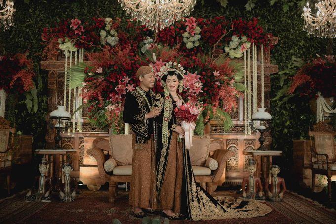 Bold Themed Wedding of Agung Nindita by  Menara Mandiri by IKK Wedding (ex. Plaza Bapindo) - 006