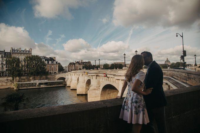Engagement Photoshoot In Paris by Février Photography   Paris Photographer - 013