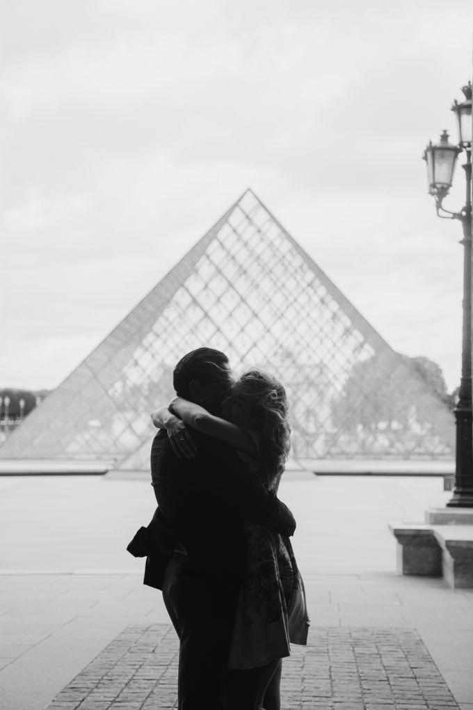 Engagement Photoshoot In Paris by Février Photography   Paris Photographer - 015