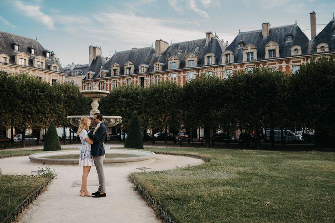 Engagement Photoshoot In Paris by Février Photography   Paris Photographer - 006