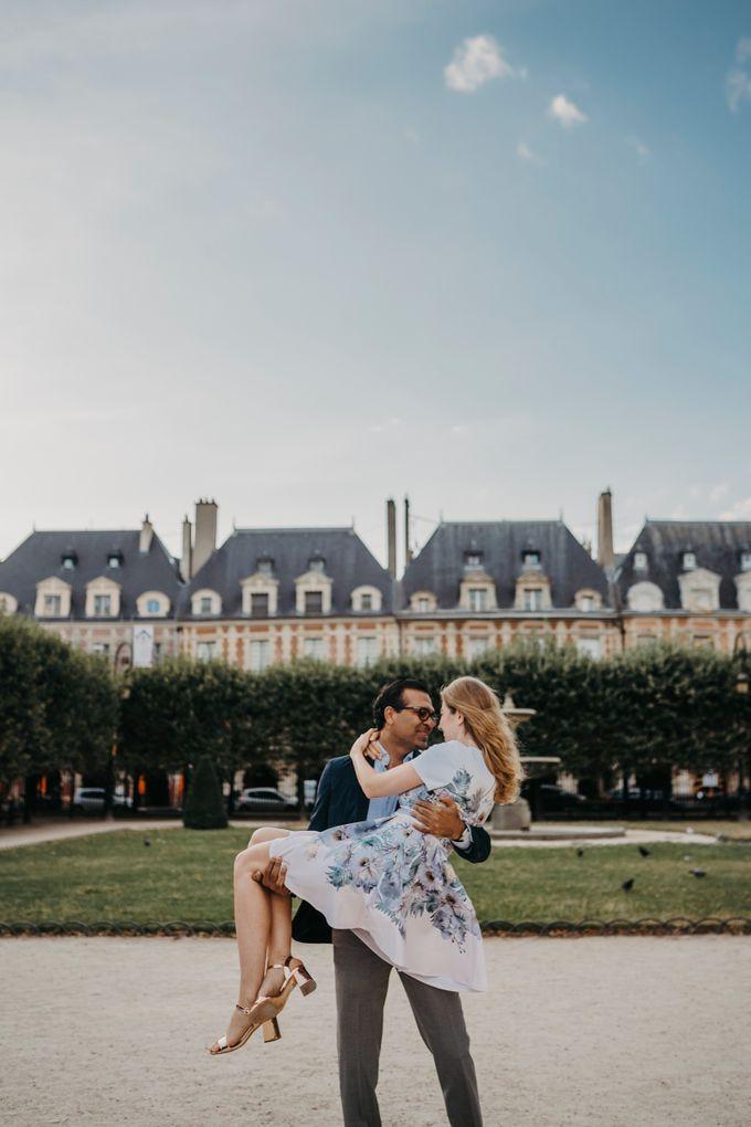 Engagement Photoshoot In Paris by Février Photography   Paris Photographer - 001