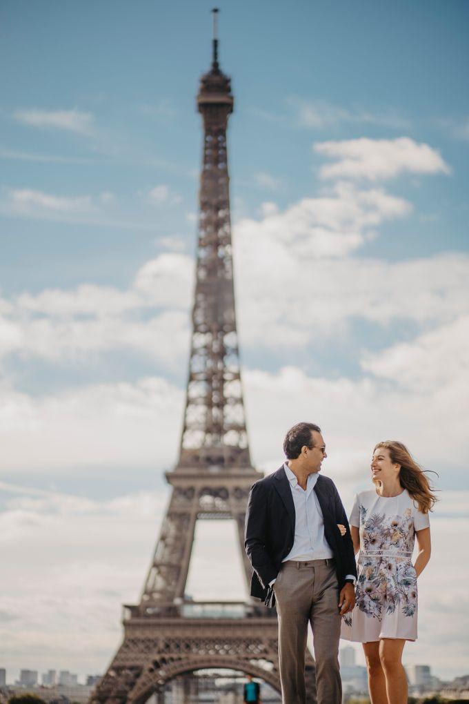 Engagement Photoshoot In Paris by Février Photography   Paris Photographer - 002