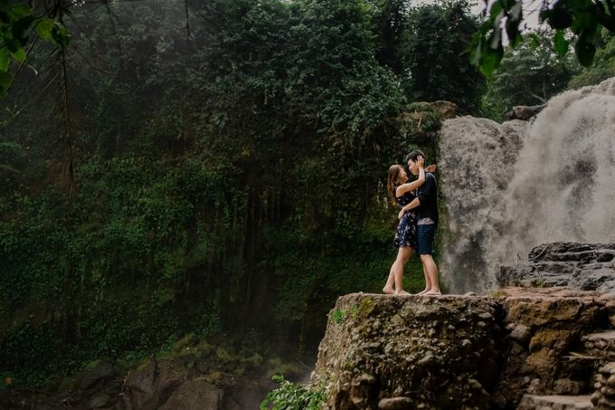 Rain In Nature Bali Engagement by Mariyasa - 003