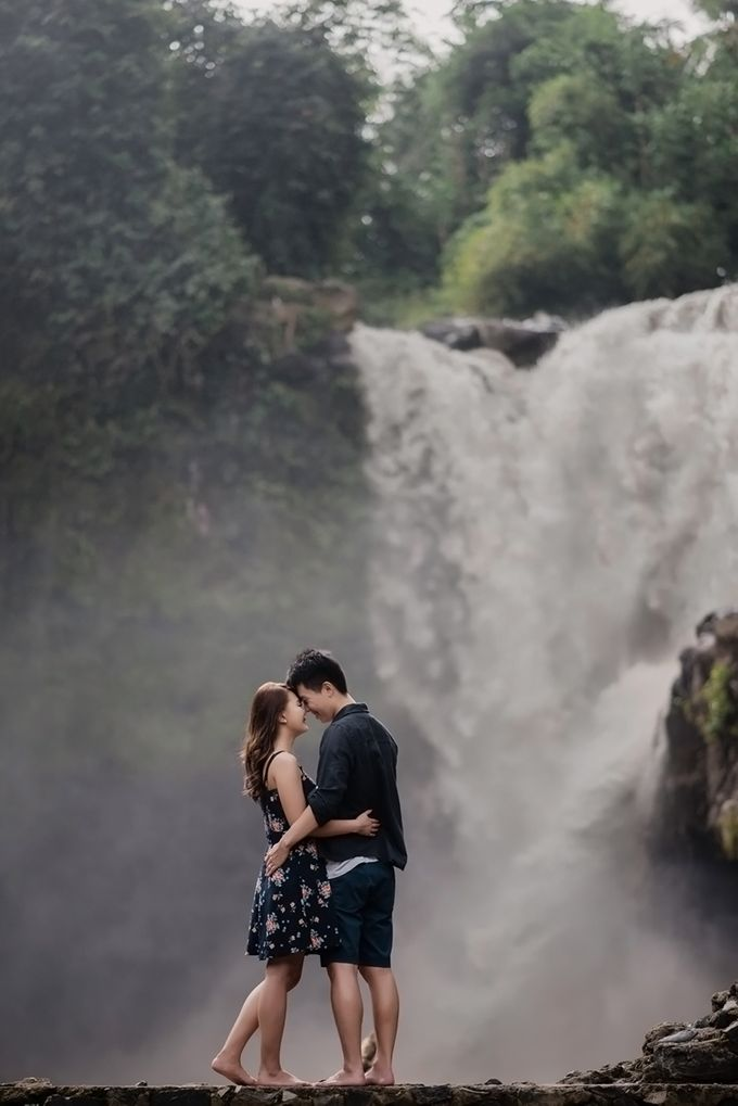 Rain In Nature Bali Engagement by Mariyasa - 006