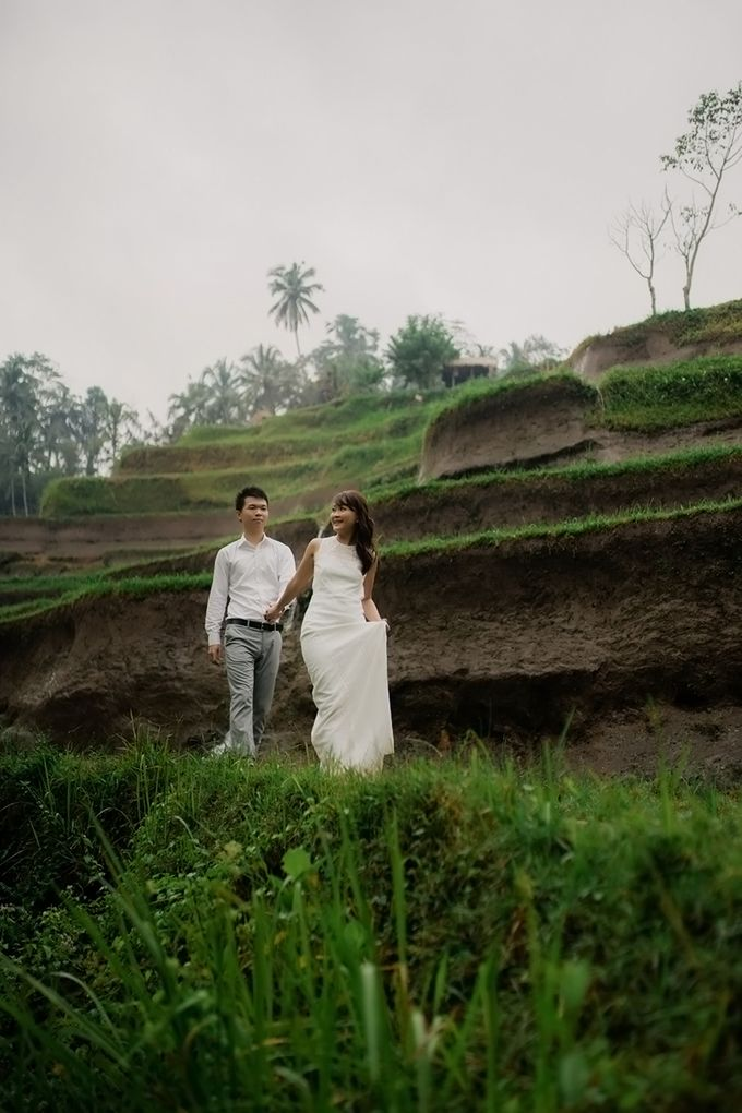 Rain In Nature Bali Engagement by Mariyasa - 009