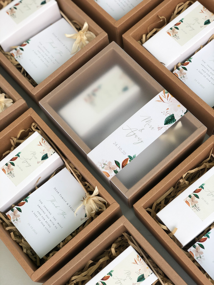 Reed Diffuser Wedding Hampers of Mira & Agung by é.clat - 006