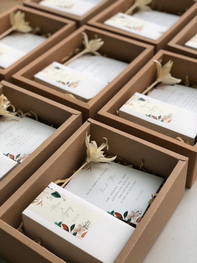 Reed Diffuser Wedding Hampers of Mira & Agung by é.clat - 007