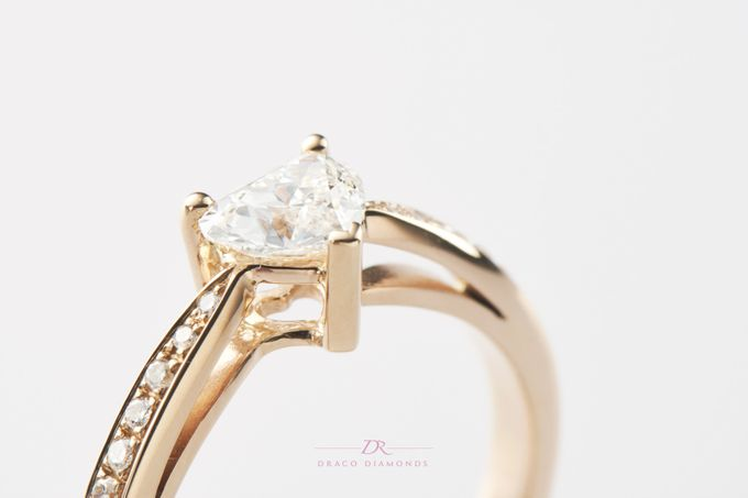 Heart-shaped Diamond Engagement Ring by Draco Diamonds - 001
