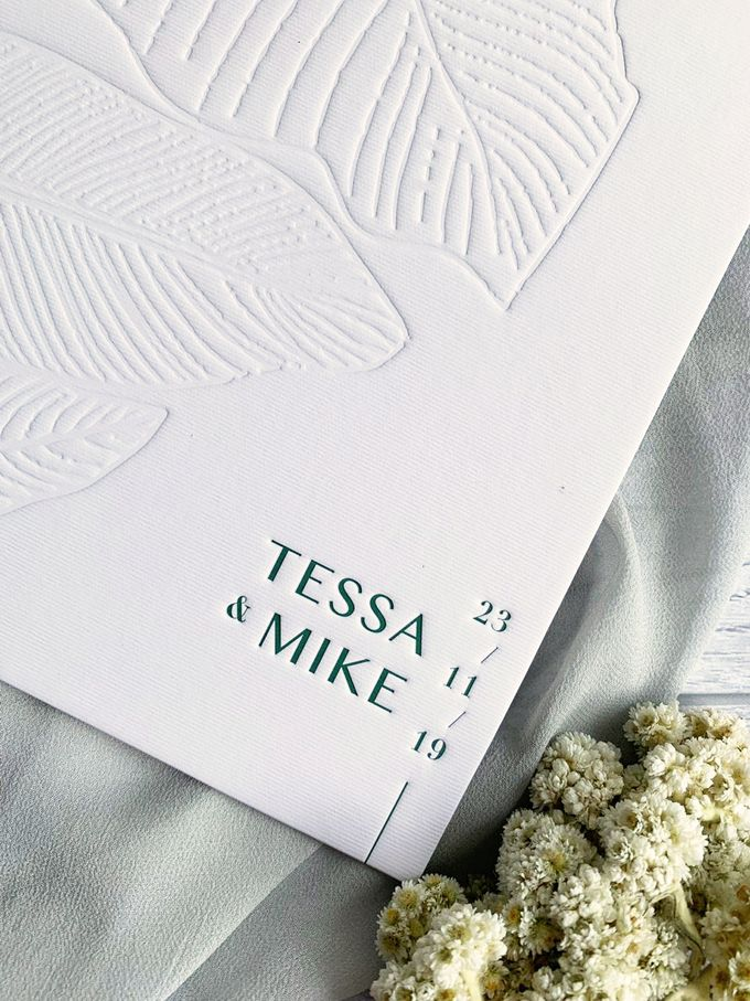 Modern Minimalist Tropical by Trouvaille Invitation - 009
