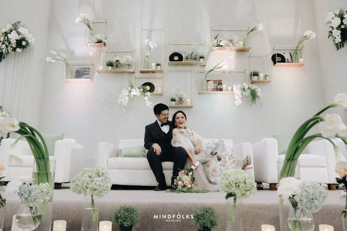 Compilation of White Themed Wedding by Skenoo Hall Emporium Pluit by IKK Wedding - 003