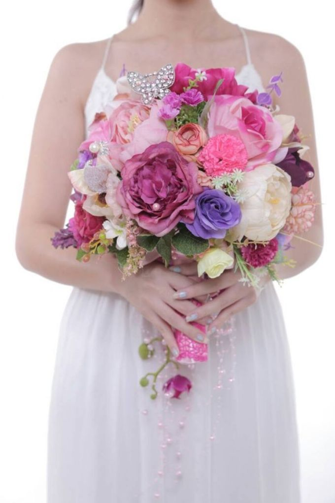 ENCHANTED WEDDING BOUQUET by LUX floral design - 027