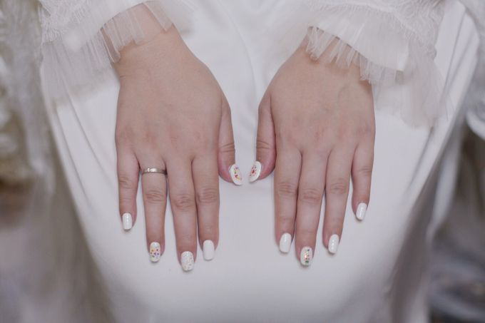 Dinar Wedding Nails by PONINONI NAILS - 003