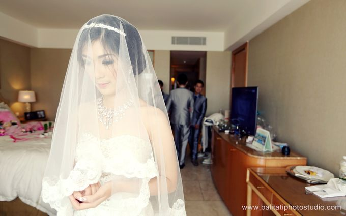 The Wedding of Ivan & Indah by Tati Photo - 018