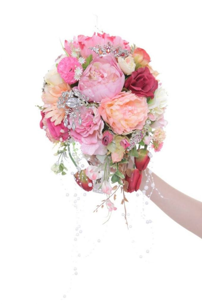 ENCHANTED WEDDING BOUQUET by LUX floral design - 001